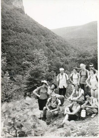Группа туристов на маршруте