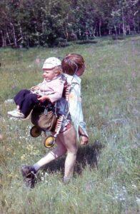 Евгений с сыном Женей в походе
